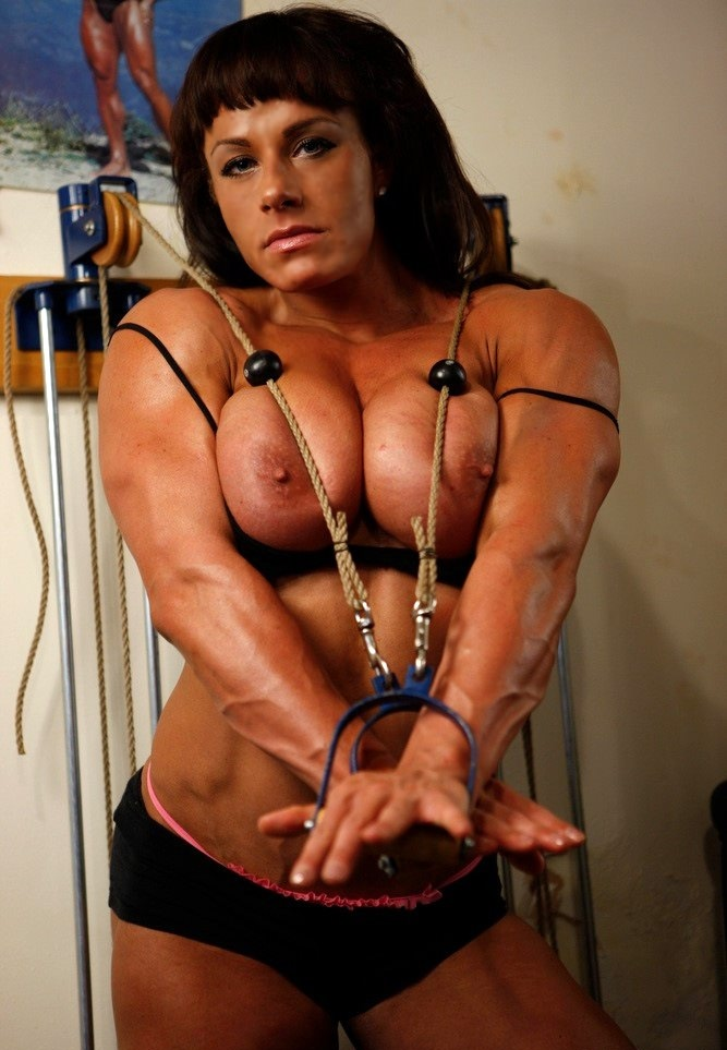 sexy muscle wemon naked