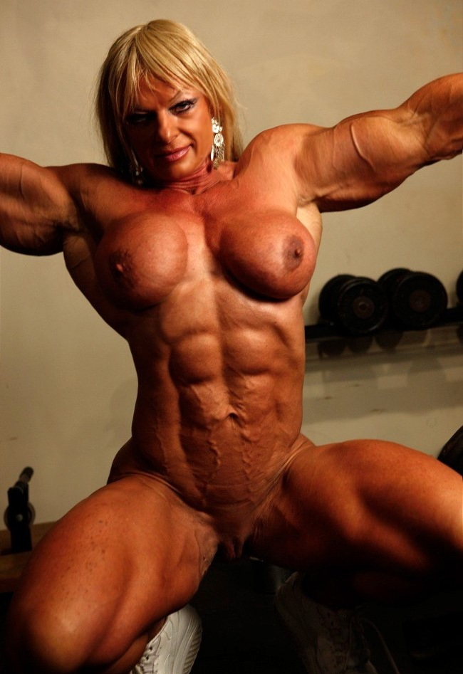 10inch cock muscular girl with big clit pics